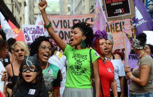 Mulheres lutam pela igualdade de gênero