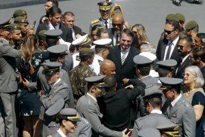 Presidente Jair Bolsonaro participa da formatura de militares no Rio de Janeiro