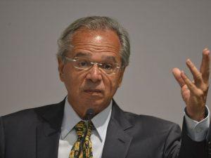 O ministro da Economia, Paulo Guedes, quer aprovar reformas que podem aprofundar a crise (Valter Campanato/Agência Brasil)