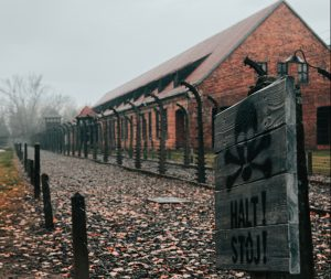 Auschwitz, Polônia - Jean Carlo Emer/Unplash