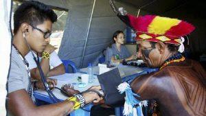 Ao menos 85 terras indígenas encontram-se sob sério risco imposto pela crise pandêmica em curso. (Divulgação Ministério da Saúde)