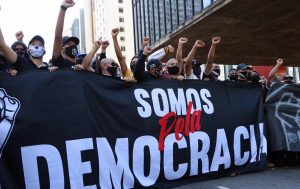 Torcidas de futebol protestam em defesa da democracia (Oam Santos/Fotos Públicas)