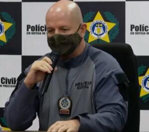 Delegado Rodrigo de Oliveira na coletiva de imprensa após a operação em Jacarezinho